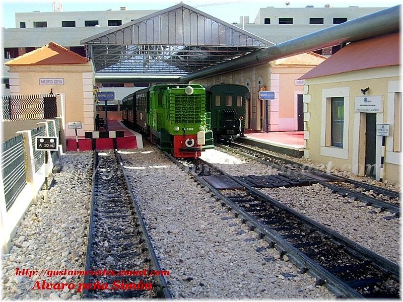 Unidades estacionadas en la antigua estación
