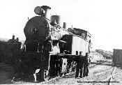 Locomotora de la Maquinista Nº13(0143) y personal de Conducción en ALMOROX.-
