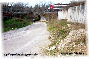 Sitio donde se encontraba el Apeadero - 2002 - Unidad de Cercanías 446.-