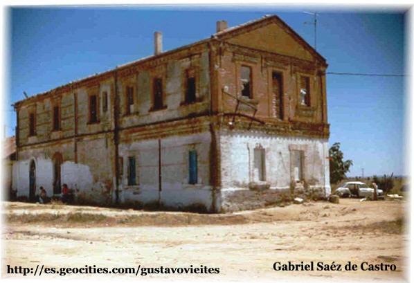 Antigua Estación de ALMOROX en 1988, antes de ser derribada - Frontal.- (Colaboración de D. Gabriel Sáez de Castro).-